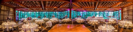 Oak Brook, Ιλινόις: Enjoy our incredible indoor wedding space.