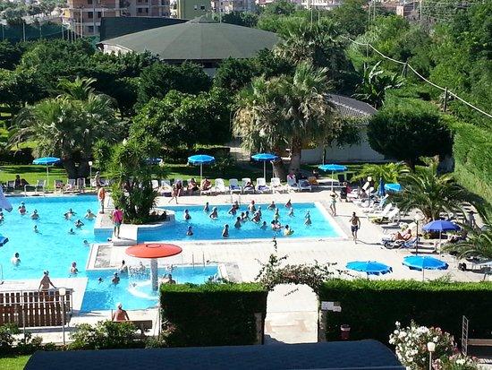 Falerna, Itália: vista piscina