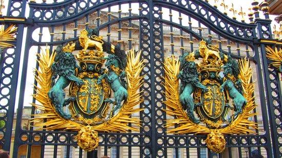 Cancello buckingham palace foto di buckingham palace - Buckingham palace interno ...