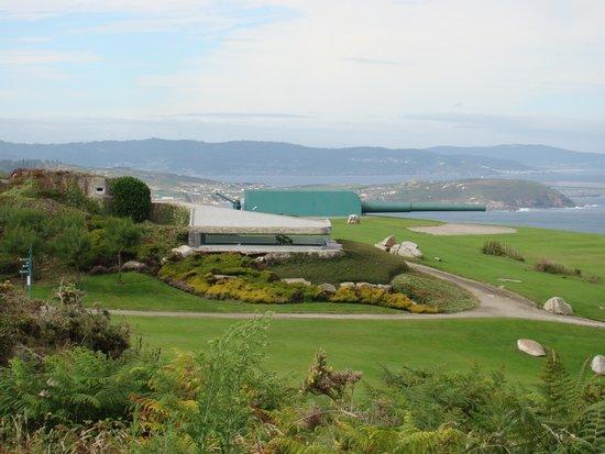 NH A Coruña Atlantico: Monte de San Pedro. Bateria y telémetro de