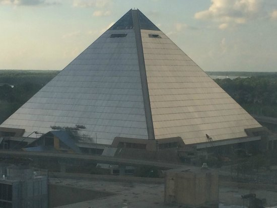 Sheraton Memphis Downtown Hotel: Memphis Pyramid