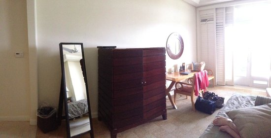 The Lodge at Hammock Beach: Side with TV/Desk