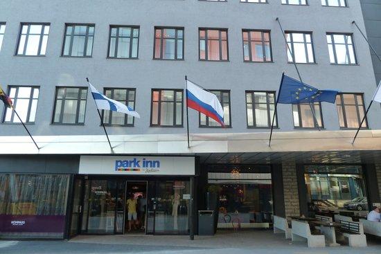 Park Inn by Radisson Central Tallinn: Eingangsbereich