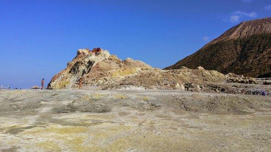 Terme di Vulcano : The yellow rocks surrounding