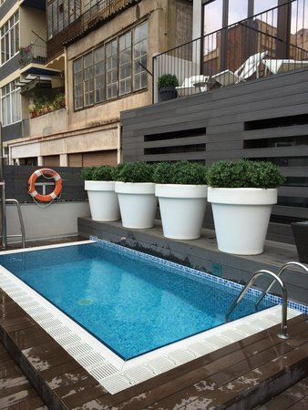 mini pool just by our room picture of hotel vueling bcn by hc barcelona tripadvisor. Black Bedroom Furniture Sets. Home Design Ideas