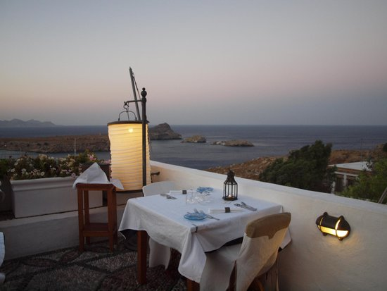 Melenos Lindos Restaurant: panorama