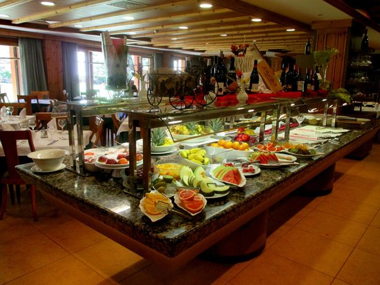 Hotel Nordic: Bufett desayuno