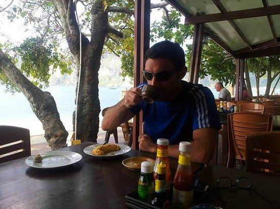 Andaman Beach Resort: Los desayunos mirando a la playa son geniales