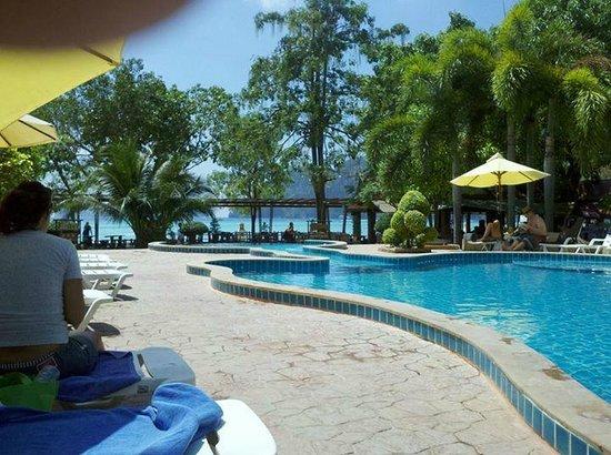Phi Phi Andaman Beach Resort La Hermosa Pileta Del Hotel