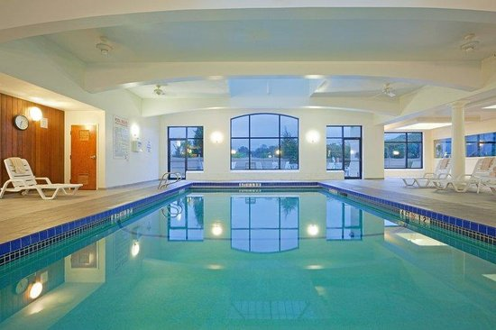 Fitness center picture of holiday inn boston dedham - Holiday inn hotels with swimming pool ...