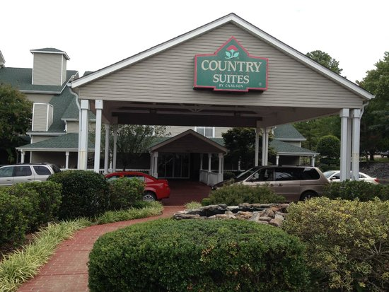 Country Inn & Suites By Carlson, Chattanooga at Hamilton Place Mall: Front entrance to the hotel