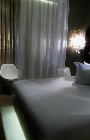 Legend Hotel by Elegancia : chambre