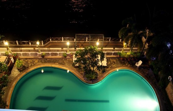 New Siam Riverside Guest House: pool view from balcony