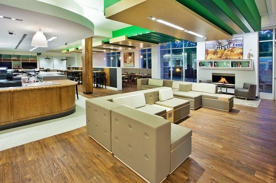 Holiday Inn - Gwinnett Center: Our newest feature, the Hub at the Holiday Inn.