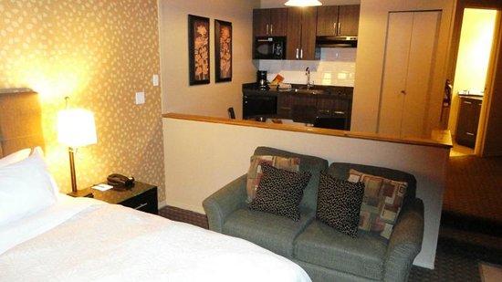 Executive Inn At Whistler Village: Split-level room