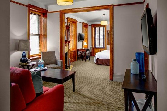 Hotel Wales: Corner Madison Avenue Suites