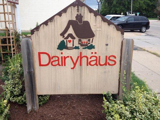 Dairyhaus: Sign