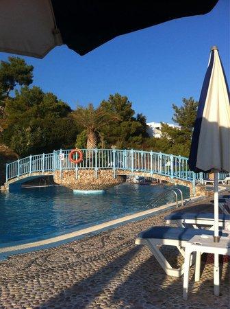 Karpathios Studios: Pool area