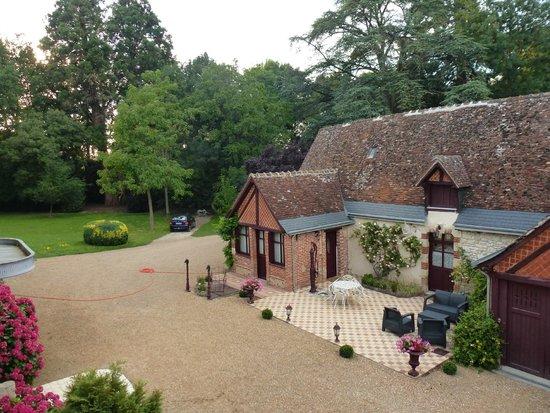 Manoir de la Maison Blanche : El jardín y alguna de las habitaciones exteriormente...