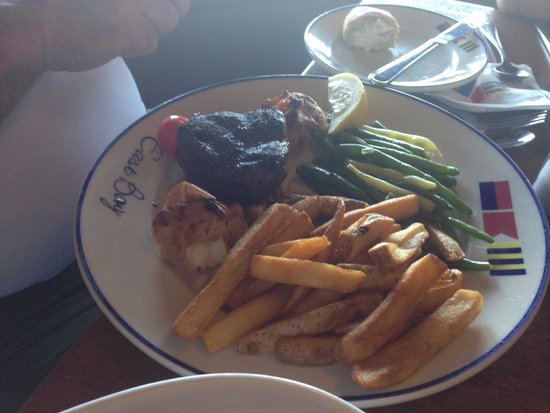 East Bay Grill: Surf and turf