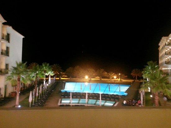 Vila Galé Santa Cruz: Vue sur la piscine
