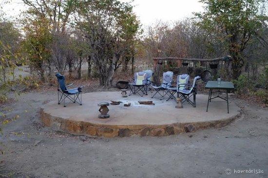Kapula Private Camp : Fireplace