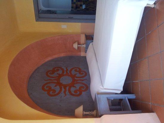 Hotel Residence Caranella Village: Chambre à la décoration originale