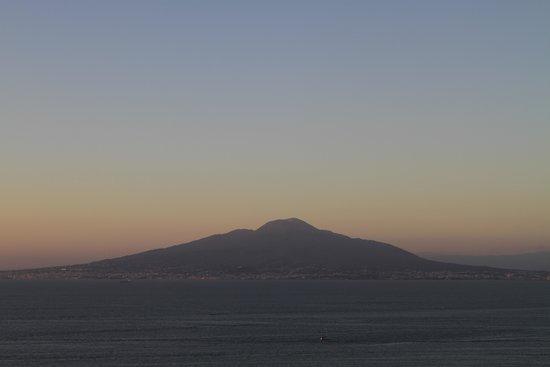 Hotel Bristol: Vesuvius at sunset