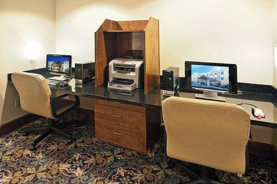 Staybridge Suites Albuquerque North: Business Center
