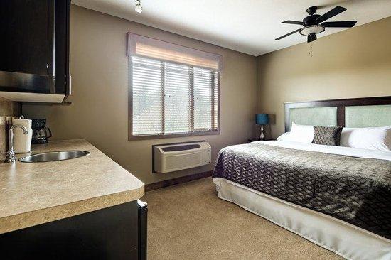 Bighorn Meadows Resort: Guest Room