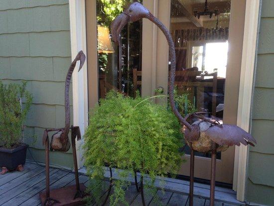 The Jabberwock Inn: Birds by front entrance