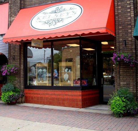 Bemidji, Minnesota: Front of Kelsey's Jewelry.
