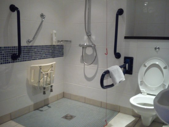 Holiday Inn Express Antrim M2, JCT.1: bathroom3