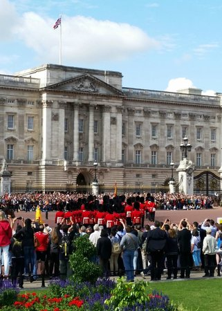 Fun London Tours: See all those people that is all they got to see - Thanks MATT! for showing us this amazing even