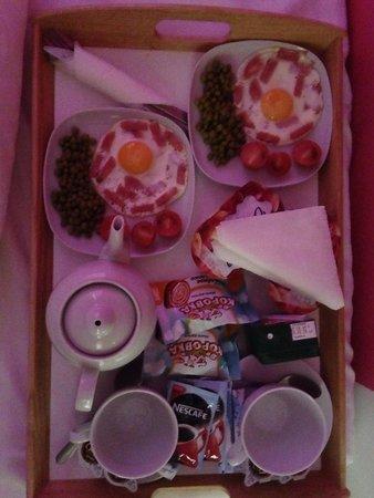 Key Element Hotel: Breakfast for 2 people:500r