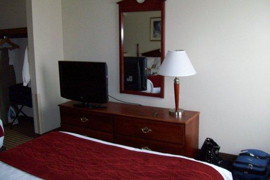 Comfort Suites Penn State: bedroom