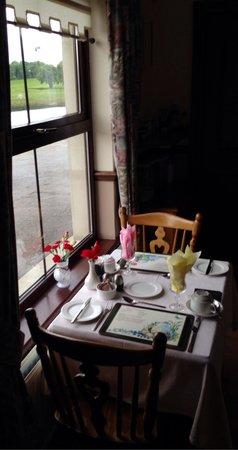 Corrigan's Shore House: Frühstücksraum