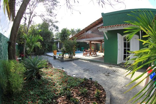 Hostel Braz: Jardim Externo