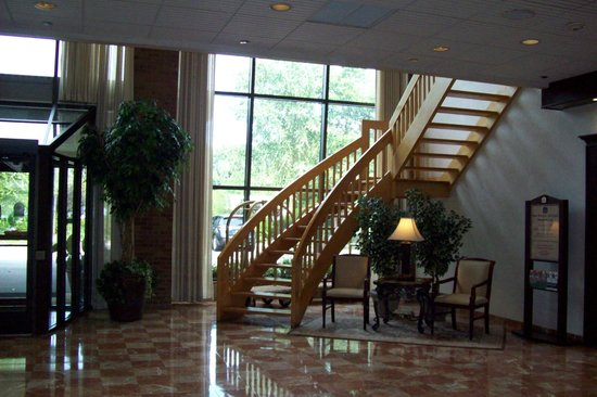 Best Western Plus Fairfield Executive Inn: stairs to atm