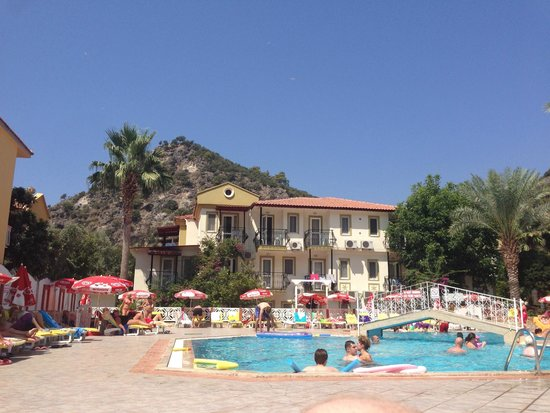 Hotel Karbel Sun: Views of the Hotel and surroundings from around the pool