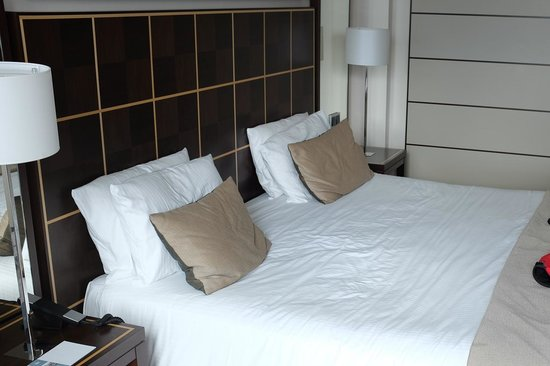 Eurostars Berlin Hotel: King size bed