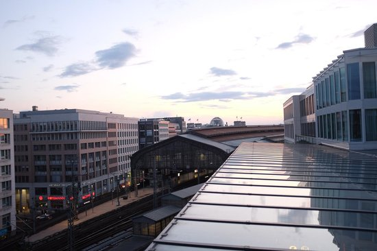 Eurostars Berlin Hotel: View from our room facing the trainstation