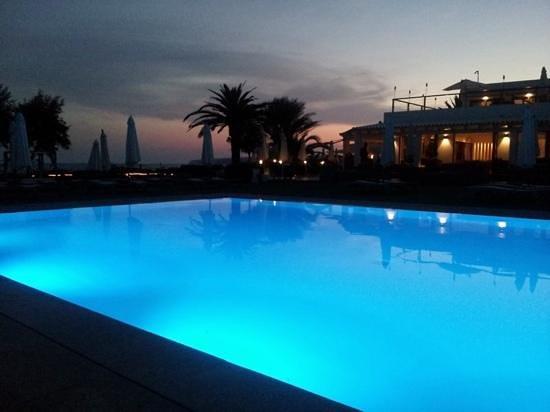 Gecko Hotel & Beach Club : atardecer
