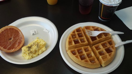 Country Inn & Suites by Radisson, Dallas-Love Field (Medical Center), TX : Breakfast