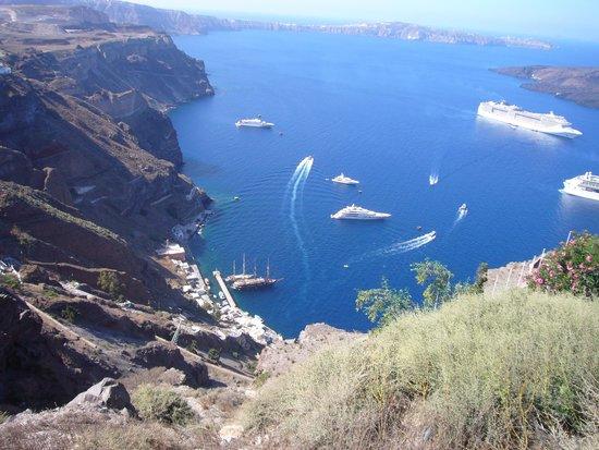 Langas Villas : Cruise ships into Fira