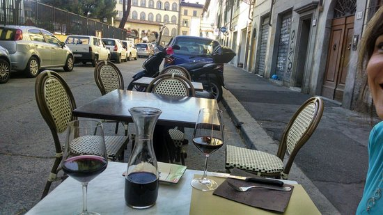 Masticabrodo : Our table in the street