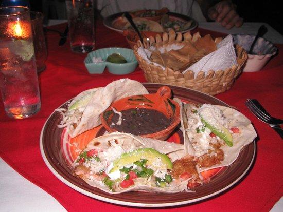 La Mexicana: tacos de pescado, baja style