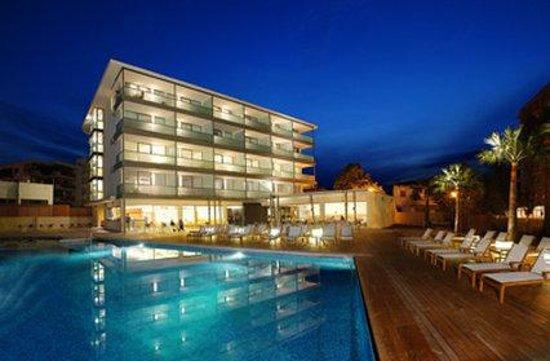 Aimia Hotel: Pool
