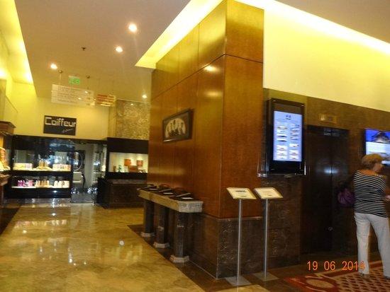 Hilton Izmir: Hall de entrada