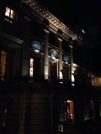 Palacio Duhau - Park Hyatt Buenos Aires: The palace at night